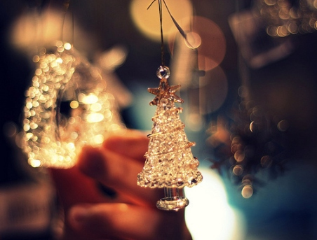 break-christmas-christmas-tree-cute-fashion-Favim_com-279172