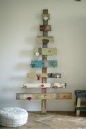 upcycle-eco-friendly-christmas-tree-fun-cute-rustic-decoration-idea-wood_original
