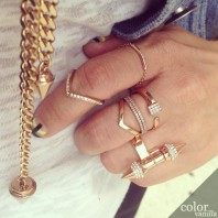 vita_fede_ultra_mini_v_crystal_ring_gold_designer_fashion_jewelry_shop_colorvanilla_00_2