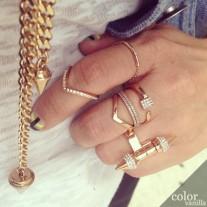 vita_fede_ultra_mini_v_crystal_ring_gold_designer_fashion_jewelry_shop_colorvanilla_00_2