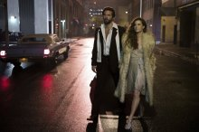 amy-adams-jennifer-lawrence-american-hustle-cars-pictures-20140121174602