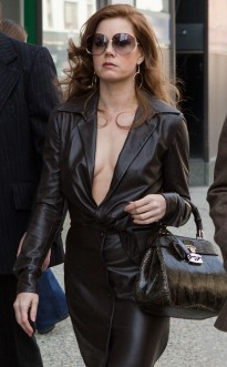 rs_634x1024-131202142446-634_amy-adams-american-hustle_ls__12213