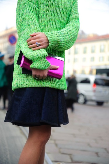 Street-Style_Fendi_2-Elisa-Nalin-wearing-green-neon-Selfridges-oversize-sweater-1