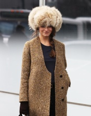 FUZZY-HATS-VOGUE_COM-PHIL-OH-FASHION-WEEK-FW-2012-STREET-STYLEFUR-HAT-LONG-LINE-NECK-JACKET-GLOVES