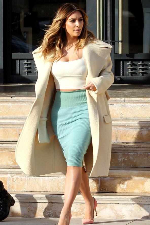 Kim-Kardashian_glamour_07jan14_rex_b_592x888