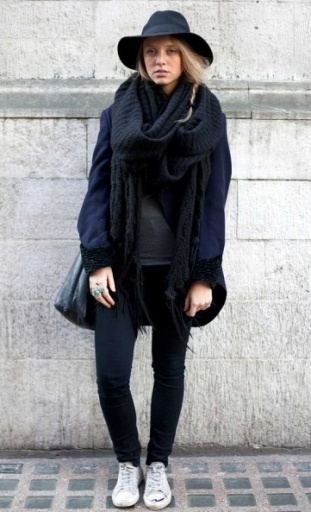 wide brimmed fedora hat street style 2