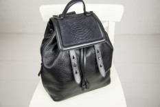 mackage-tanner-backpack-3-800x534