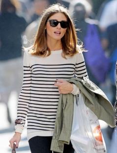 olivia-palermo-casual-style-candid-sunglasses-black-and-white-striped-sweater-turtoise-shell-sunglasses