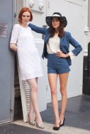 Alexa-Chung-Karen-Elson-make-very-charming-Summer-style-duo