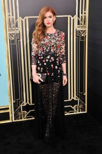 Isla-Fisher-opted-dark-floral-embellished-look-Dolce